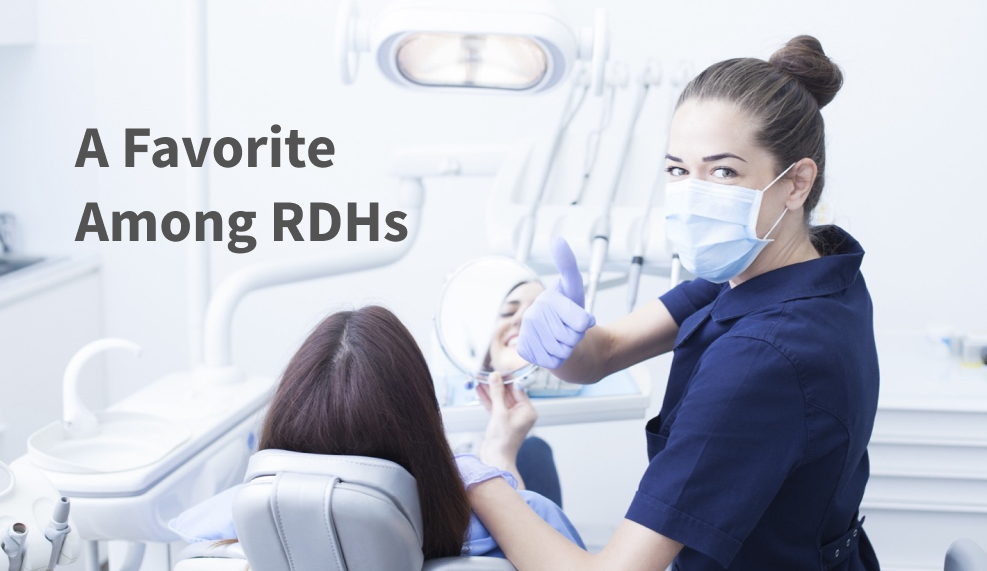 Hygienist chair-side in mask
